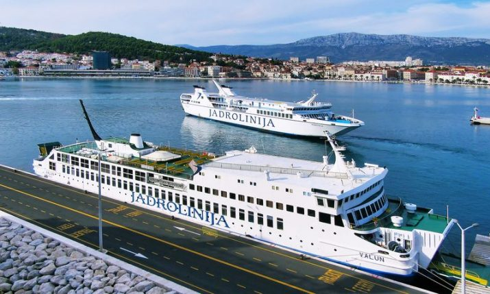 Croatian seaports see decrease in passengers but increase in volume of goods handled