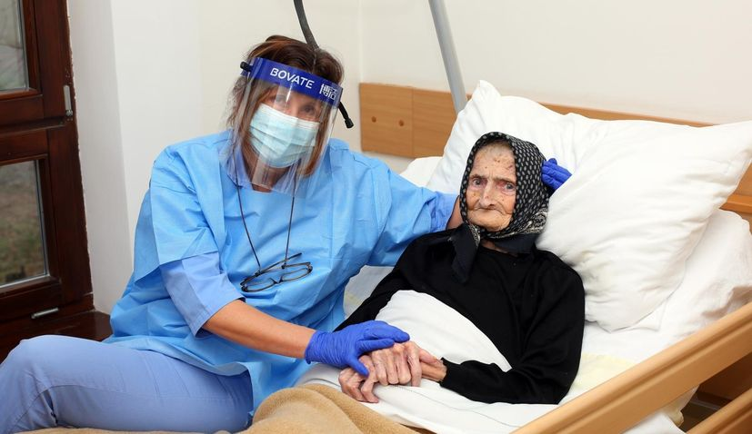 PHOTO: 99-year-old Croatian baka beats coronavirus