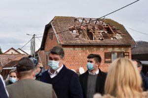 (Croatia president visit earthquke site 9