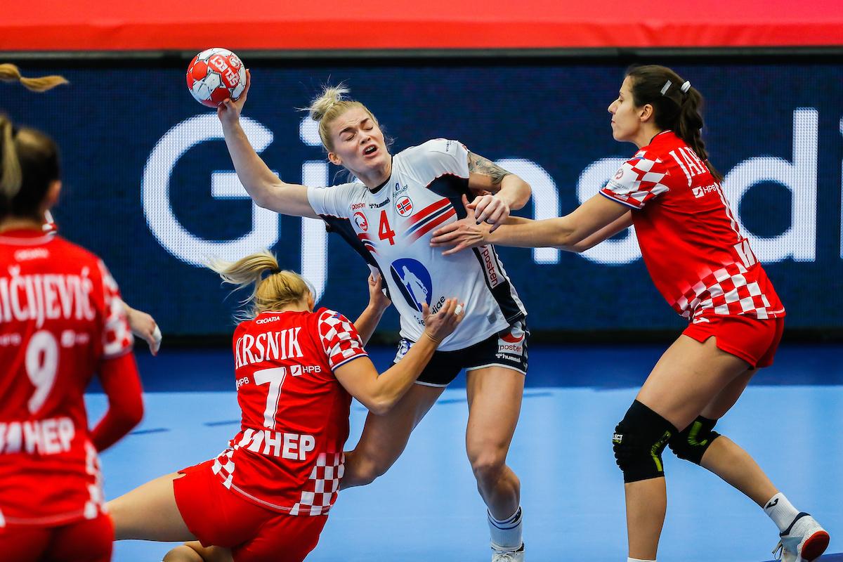 2020 Women S Handball Euro Semifinals Still In Sight For Croatia Despite First Loss To Norway Croatia Week