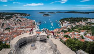 World champion mountain bikers show off skills and Hvar 2