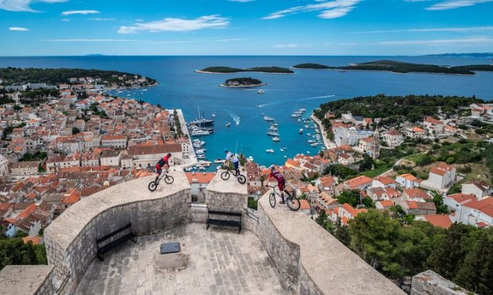 VIDEO: World champion mountain bikers show off stunts and beauties of Hvar