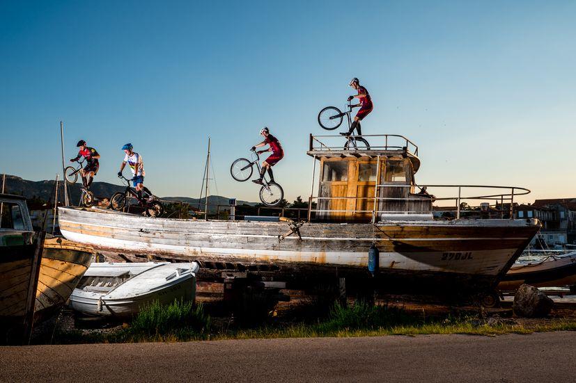 hvar mountain bike stunts