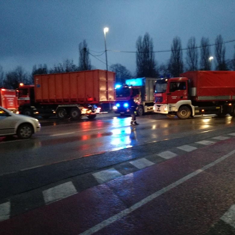 German firefighters deliver 110 t of firefighting, medical equipment to Sisak