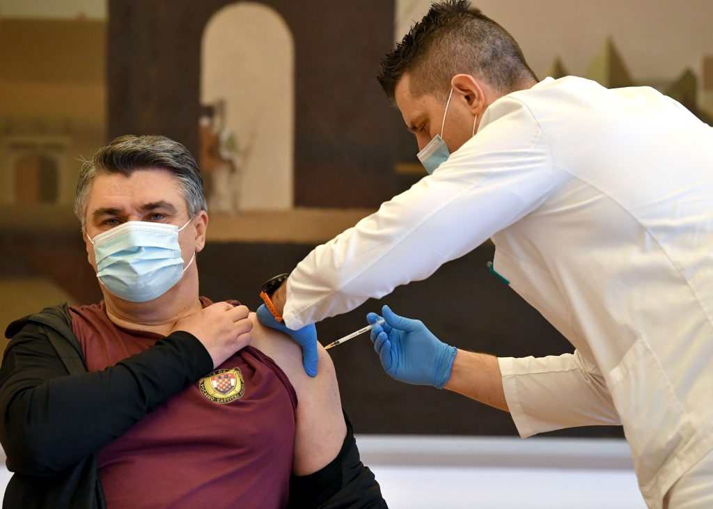 President of Croatia gets vaccinated
