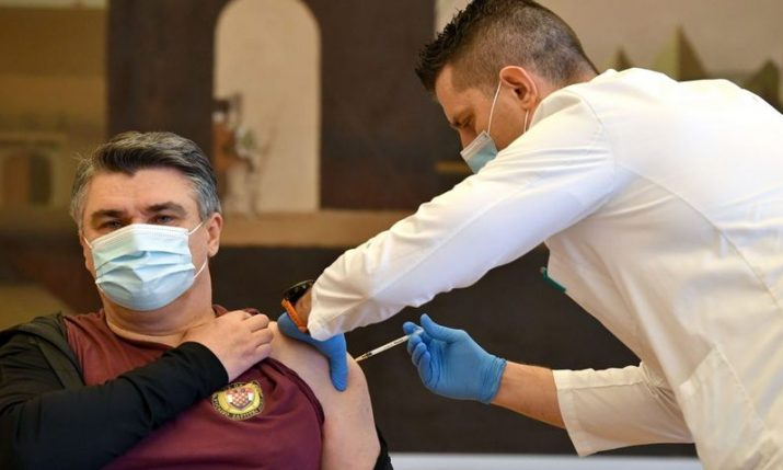 Croatian president gets vaccine in front of cameras, registered cases drop