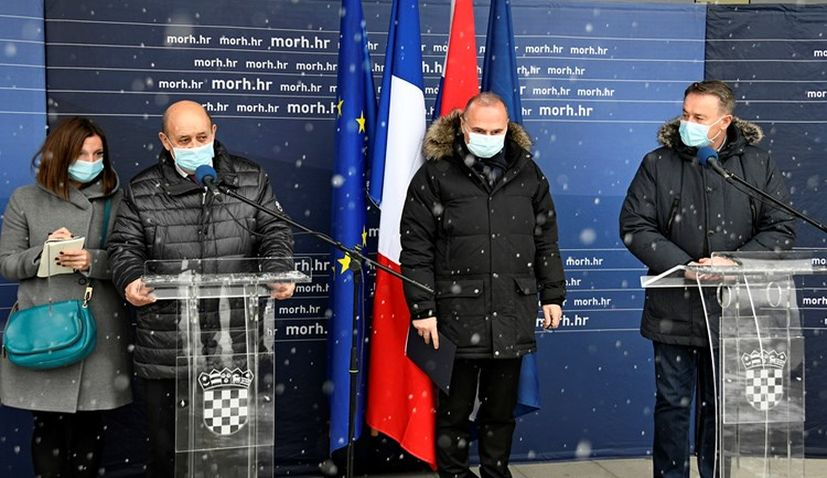 France's foreign minister visits earthquake-hit Petrinja