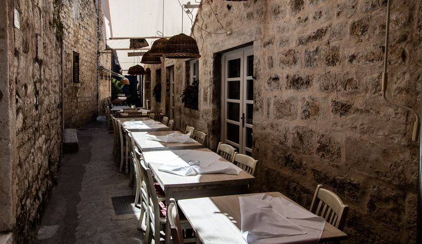 Istria restaurants and bars demand permission to reopen on 8 Feb