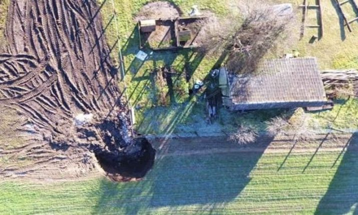 Sinkholes putting houses not damaged in the earthquake at risk