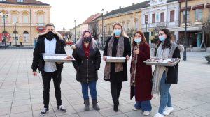 Seniors in Croatian town of Daruvar cheered up as 300 krafna dished out
