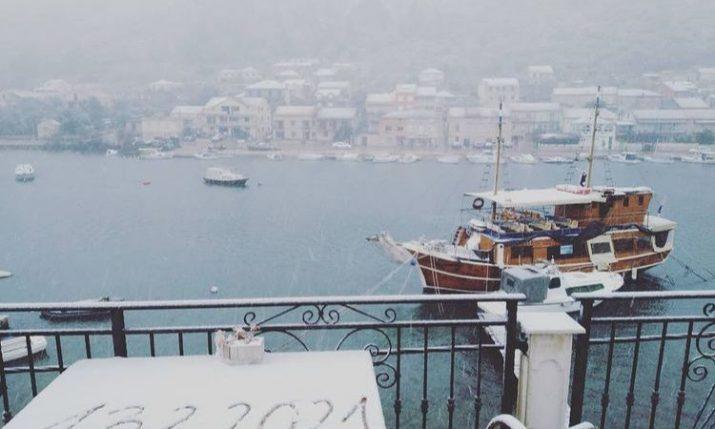 PHOTOS: Croatian islanders wake up to snow