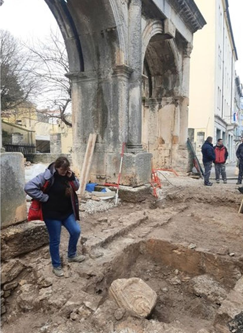 Big archaeological discovery in Pula: 2,000 year-old stone human torso excavated