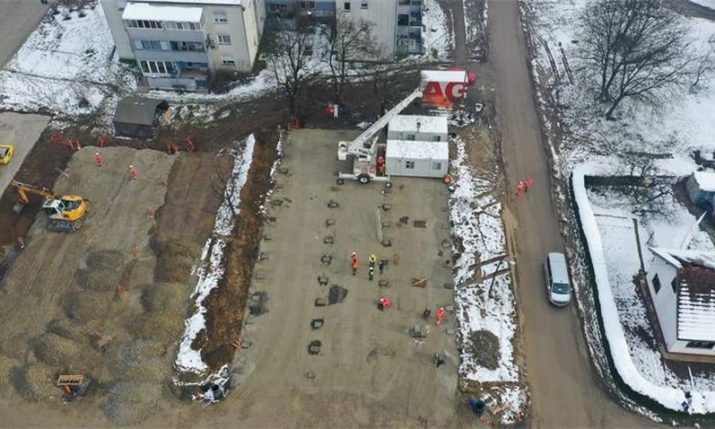 People start moving into housing container settlement in Petrinja