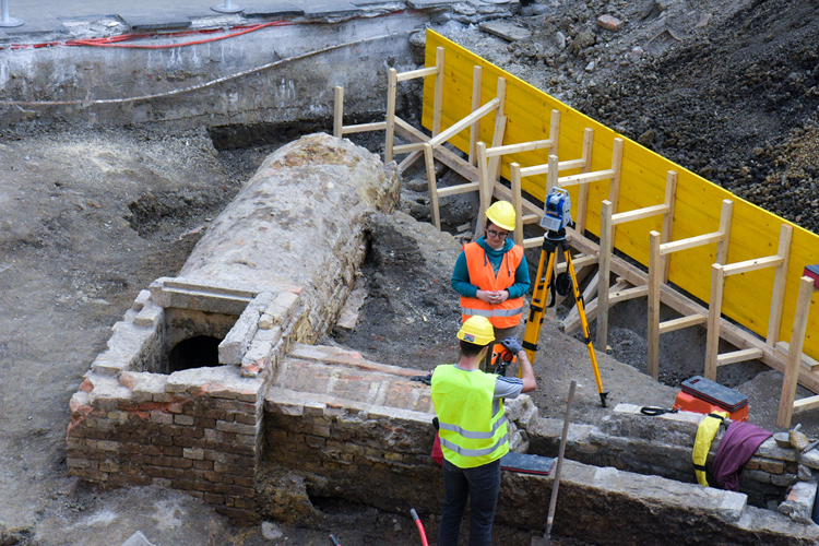 Archaeologicalexcavations carried out by the Croatian Restoration Institute in the courtyard of Government House in Zagreb