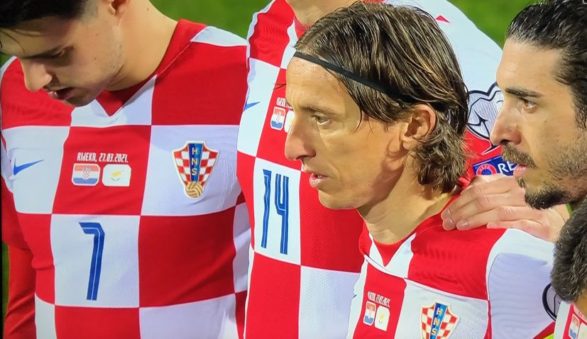 Modrić sets record as Croatia beats Cyprus in Rijeka