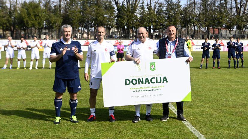 Legende nogometa na Hrvaškem in v Sloveniji igrajo zanimivo igro v Petrangi