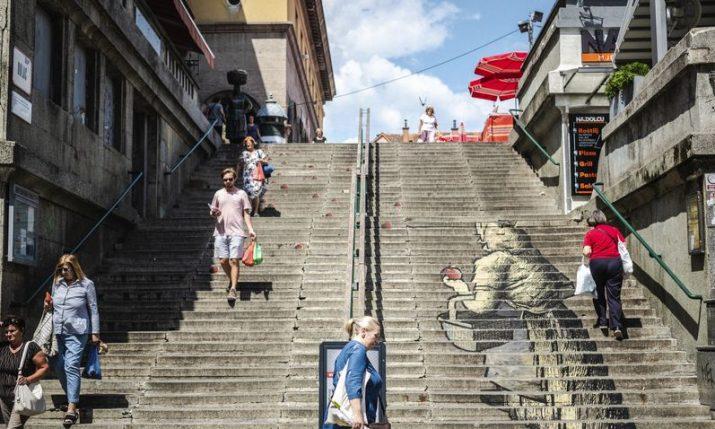 Zagreb: Ulični triptih – check out the unique exhibition on the go