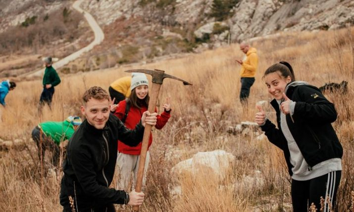 Volunteers from all over Europe taking part in Dalmatia reforestation drive