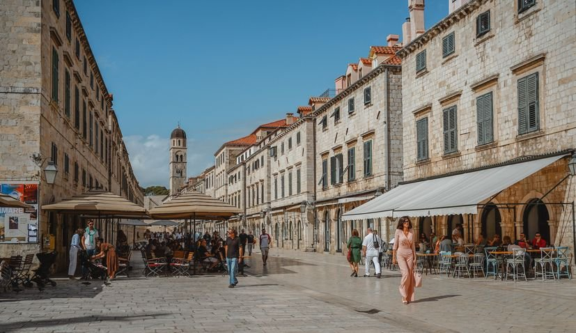 Dubrovnik promo film at 73 airports across USA