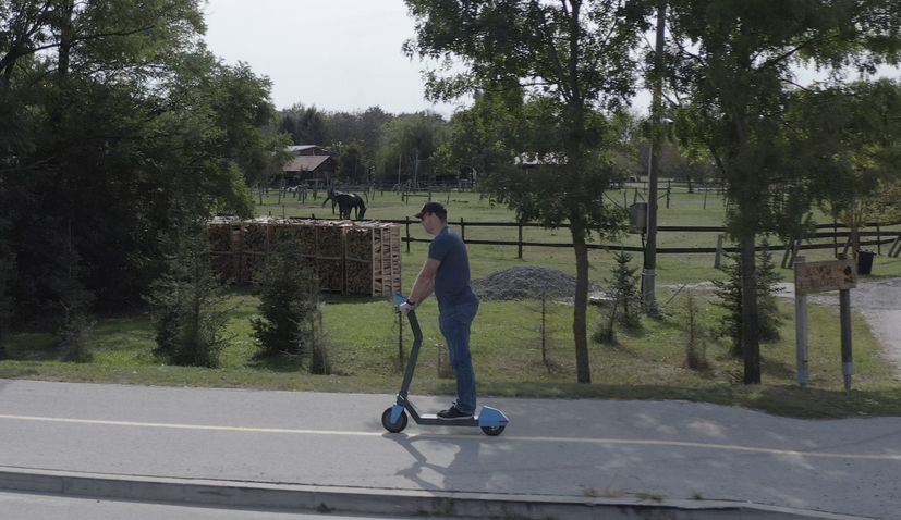 First Croatian electric scooter 'Rolla' presented