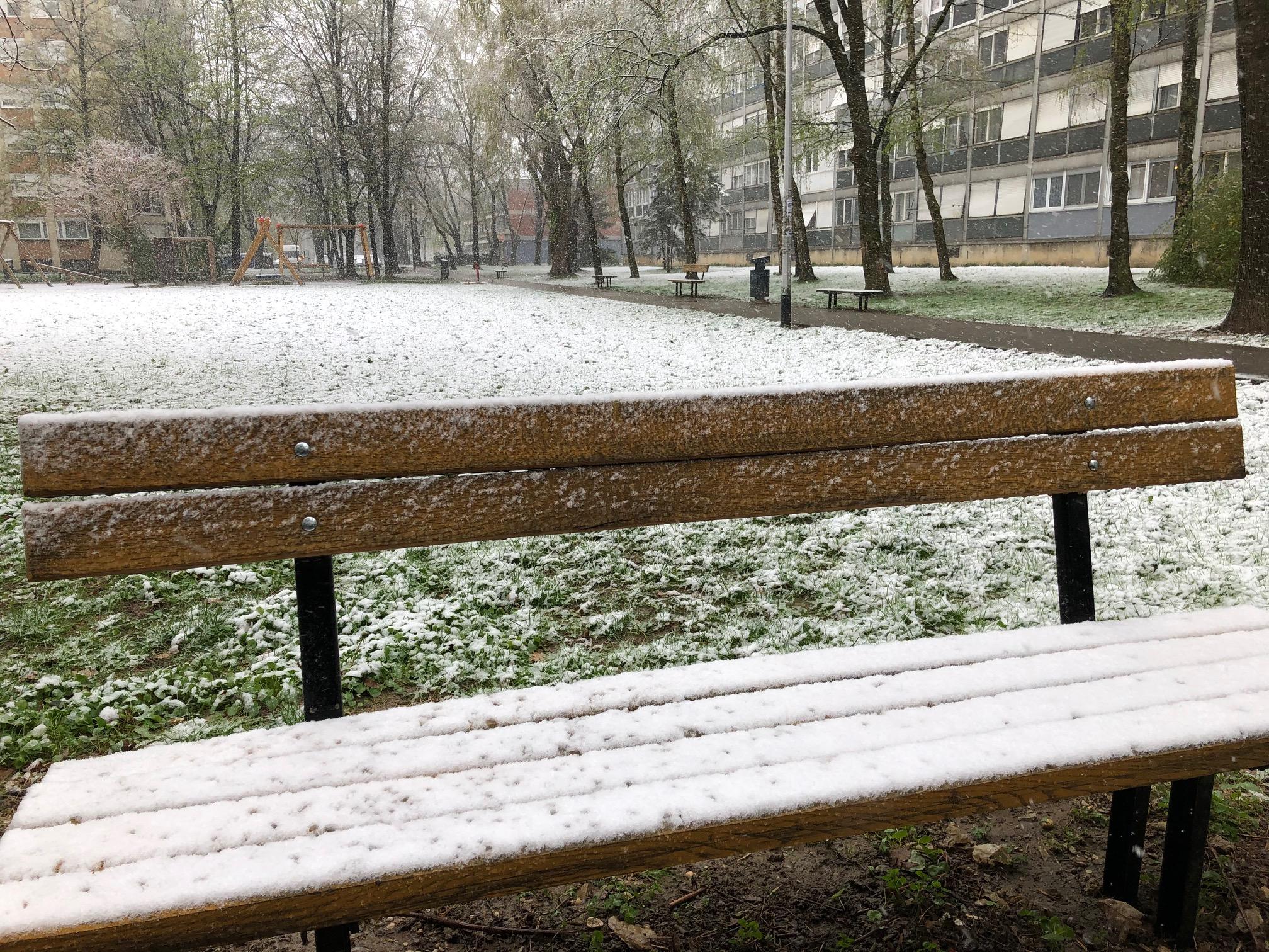 zagreb wakes to snow
