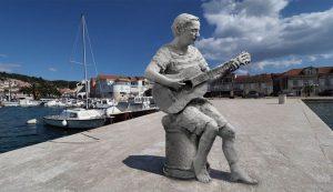 Croatian music legend Oliver gets monument in Vela Luka