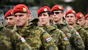"Berets awarded to Croatian Army ""Spiders"""