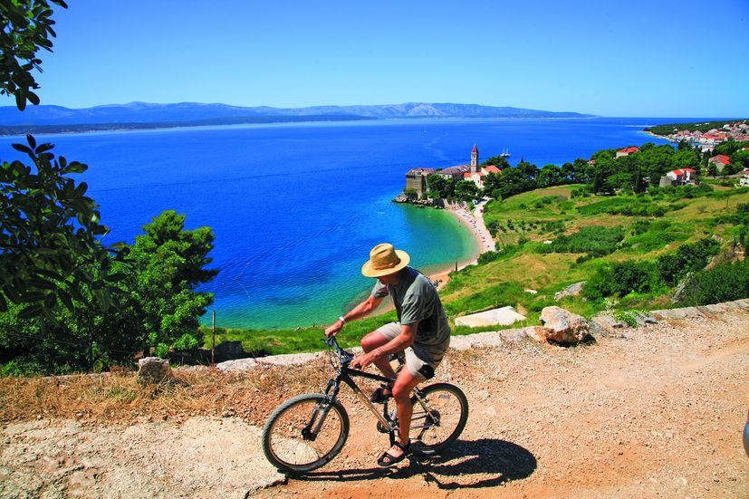 Bol on the island of Brač secures Covid Antigen Rapid Tests for its guests