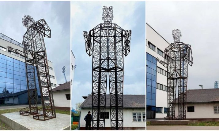 Croatian artist creates world's biggest Nikola Tesla monument
