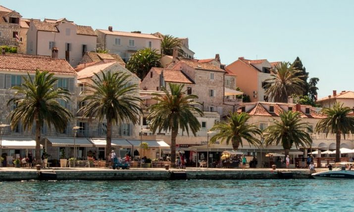 Over 100,000 tourists in Croatiapoint to positive signs for summer