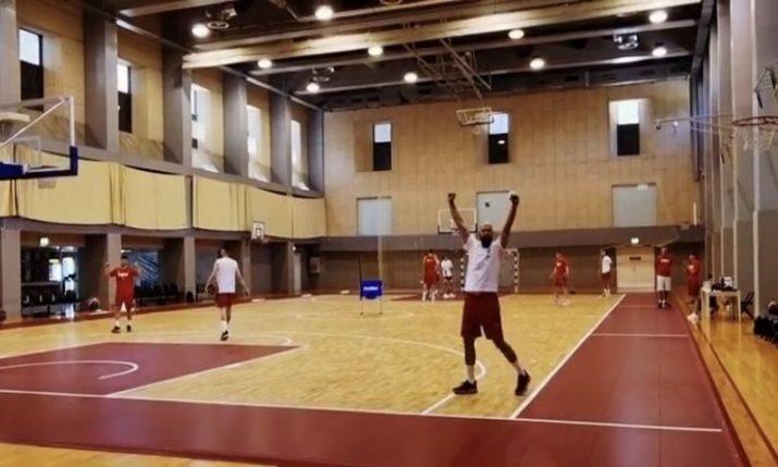 VIDEO: Croatian basketballer nails incredible shot