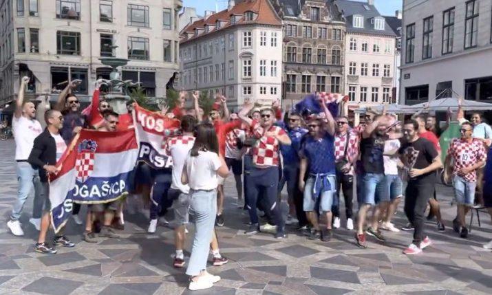 VIDEO: Singing Croatian fans converge on Copenhagencentre