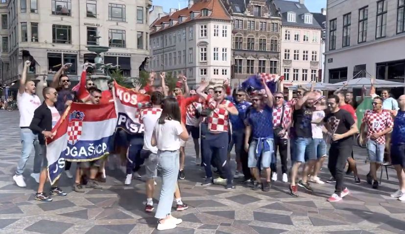 Singing Croatian fans converge on Copenhagen
