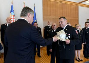 irefighters tell Milanović they are ready for wildfire season