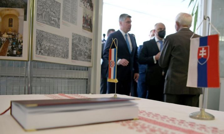 PHOTOS: President visits Museum of Croatian Culture in Slovakia