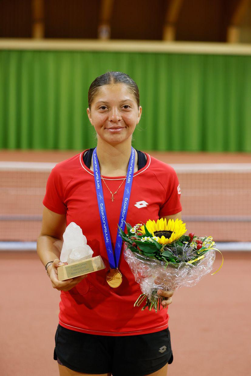 Croatia's Antonia Ružić becomes European junior tennis champion