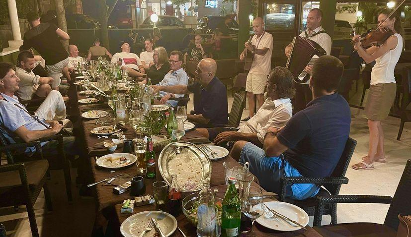 Emotive meeting of emigrant and local Croatians in Dubrovnik