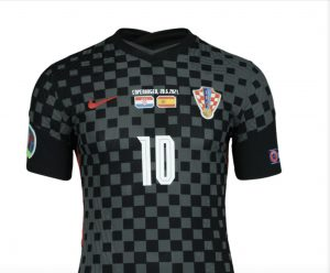 Modrić's shirt from Spain match purchased for €16,000 by buyer in Canada