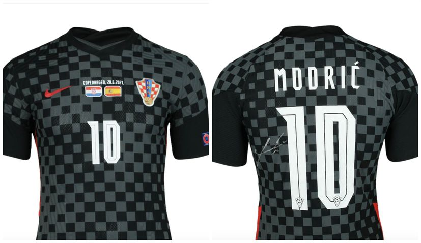 Buyer in Canada pays €16,000 for Luka Modrić's worn shirt from Spain match