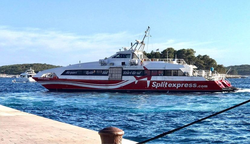 Catamaran connecting Split airport and cit with islands of Hvar and Brač commences