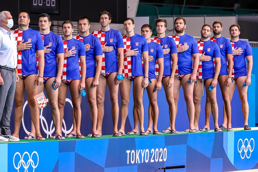 Croatia has bounced back to beat Montenegro 12-10 (1-0, 5-4, 3-3, 3-3) today to set up a match for 5th place at the Olympics in Tokyo.