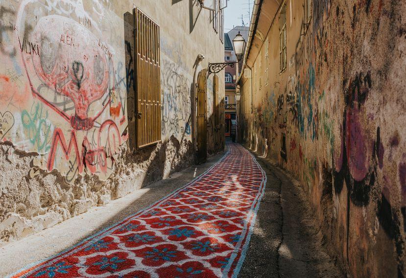 "Artistic surprises on the streets of Zagreb as ""Okolo"" starts   Croatia Week"