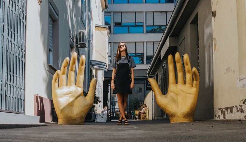 """Artistic surprises on the streets of Zagreb as """"Okolo"""" starts"""