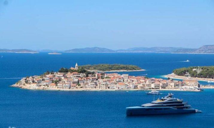 PHOTOS: Tottenham Hotspur owner's megayacht on the Dalmatian coast