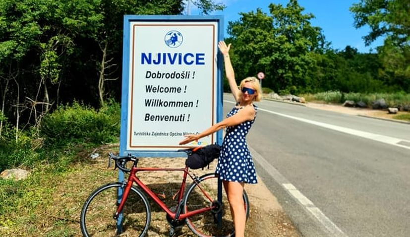 Theresa bikes 600 km to Croatian island to the hotel she was born in 40 years ago