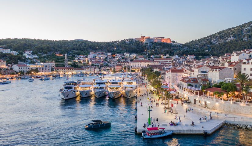 Tourists flows continue in Croatia despite country going 'red' on ECDC map