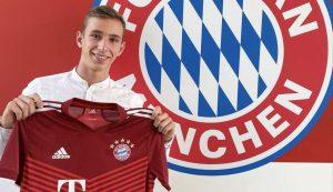 Bayern Munich has confirmed it has signed talented 16-year-old Croatian Lovro Zvonarek