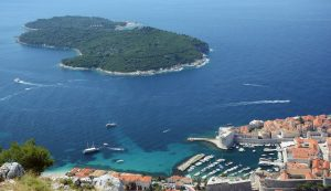 Robot to clean waste from sea floor tested off Dubrovnik