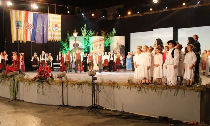 PHOTOS: Grand opening of 56th Vinkovci Autumn Festival takes place
