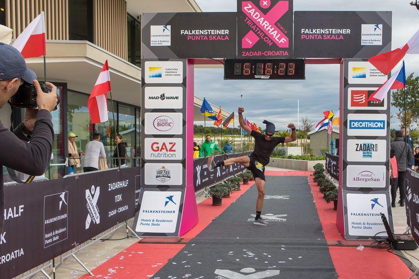 Competitors brave the bura as Zadarhalf triathlon takes place